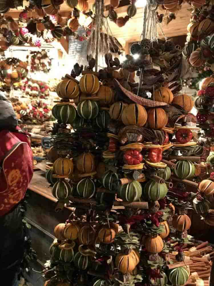 Spiced Garlands in the Budapest Christmas Markets