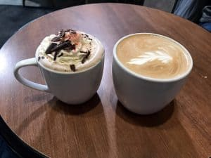 Baguette & Chocolat - Coffee Espresso Tea - Sandwiches Salads Créperie Gelato Dessert